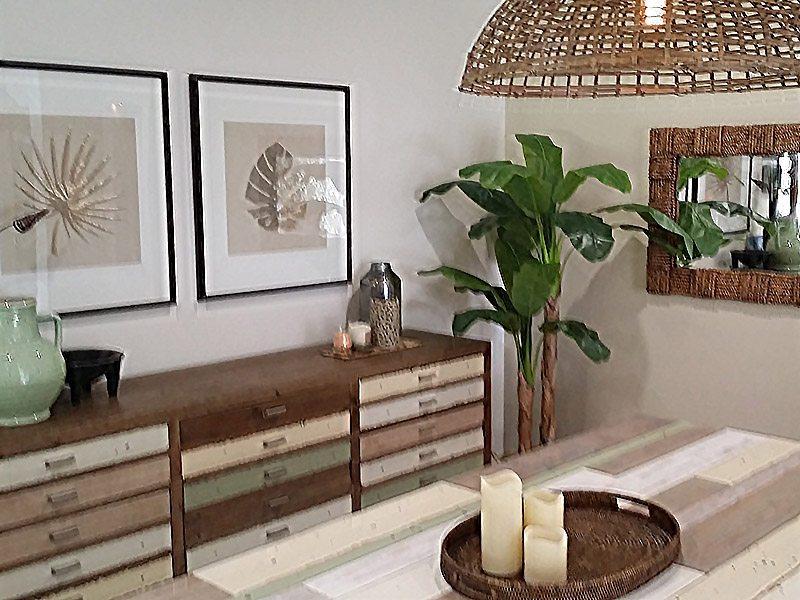 tropical resort style decor