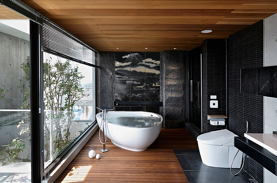 How Designers can use Bathroom Finishes to create the illusion of space!