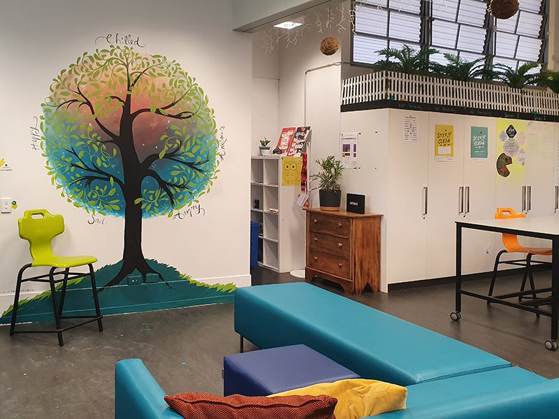 How to use Colour Psychology in Classroom Tree MuralsClassroom Murals are an age-old method of teaching children. The YMCA Youth Art Project at North Lakes welcomed Colour Psychology. Learn how it worked.