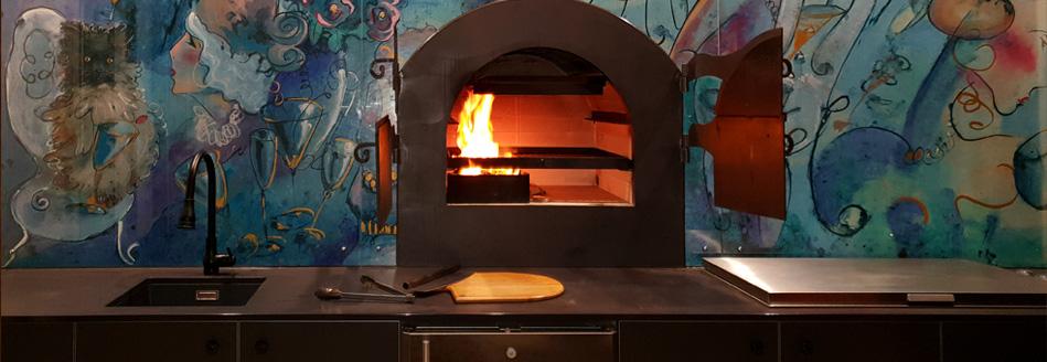 outdoor_kitchen-Art_for_custom_outdoor_kitchen_Splashback_as-a_unique_pizza-oven_splashback_by-Sharron_Tancred_Tailored_Artworks
