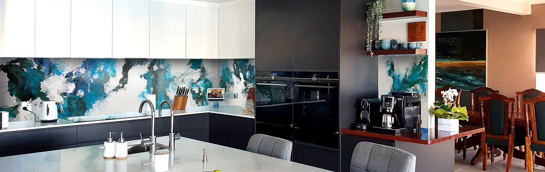Home-page-banner-hand-painted-splashback-mural